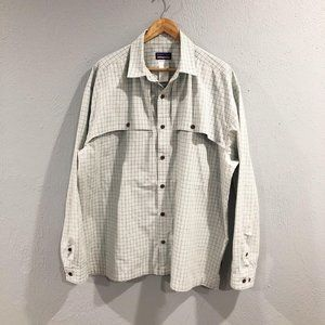 Patagonia | Blue Gray Plaid Vented Long Sleeve Shi